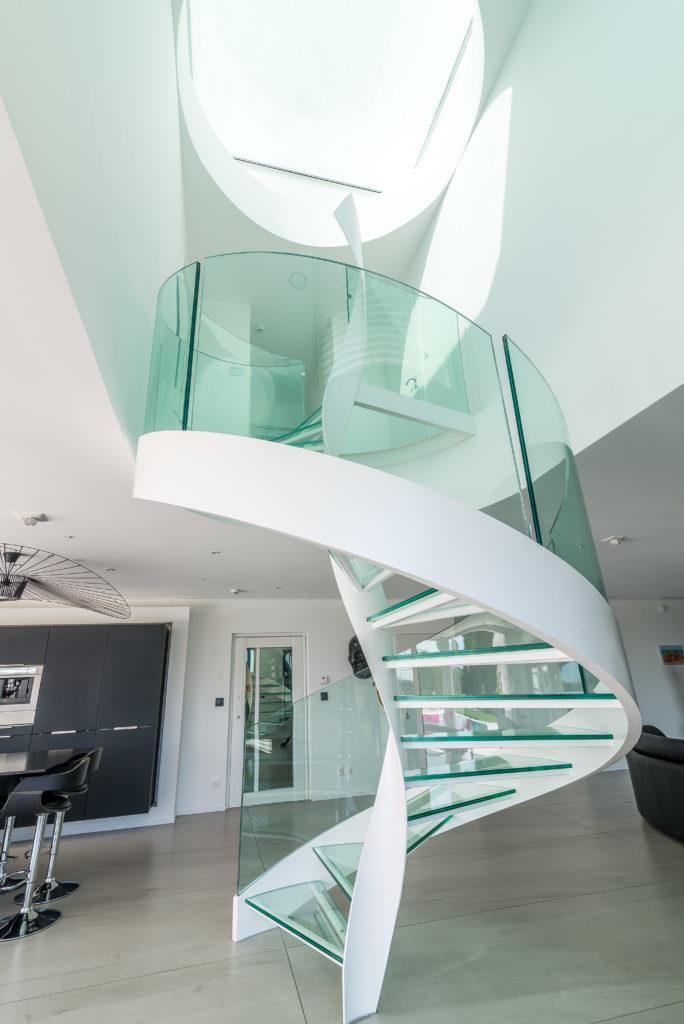 https://ocube.eu/wp-content/uploads/2019/09/escalier-design-lyon-1.jpg
