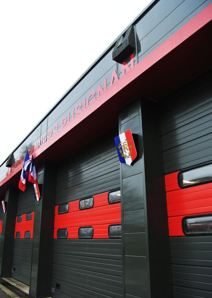https://ocube.eu/wp-content/uploads/2019/09/façade-caserne-pompiers-pusignan.jpg