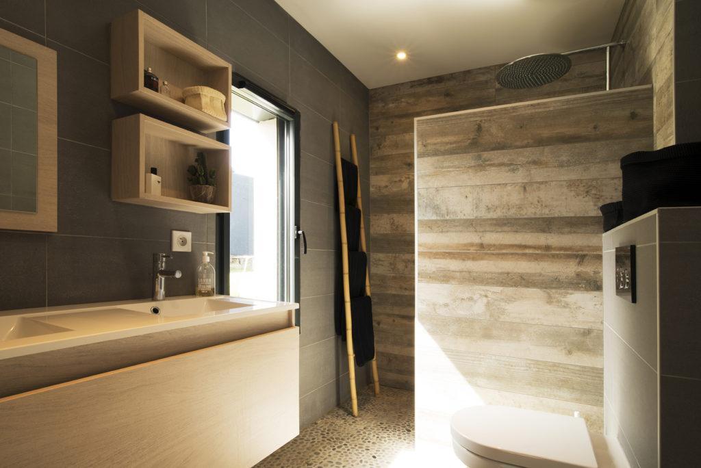 https://ocube.eu/wp-content/uploads/2019/09/salle-de-bain-design.jpg