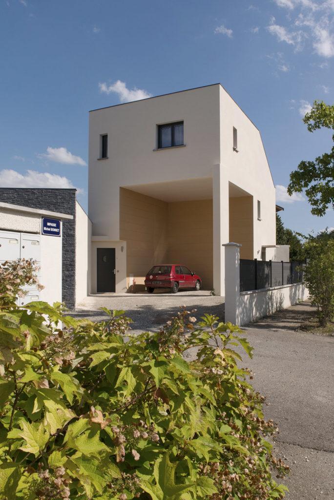 https://ocube.eu/wp-content/uploads/2019/10/logement-contemporain-ocube-architecture-caluire-et-cuire.jpg