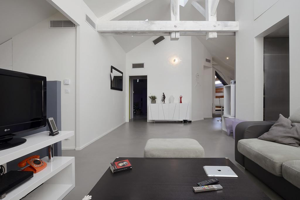 https://ocube.eu/wp-content/uploads/2019/10/renovation-contemporaine-annecy-ocube.jpg