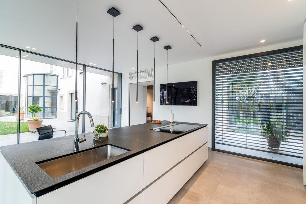 https://ocube.eu/wp-content/uploads/2019/12/maison-contemporaine-lyon-3.jpg